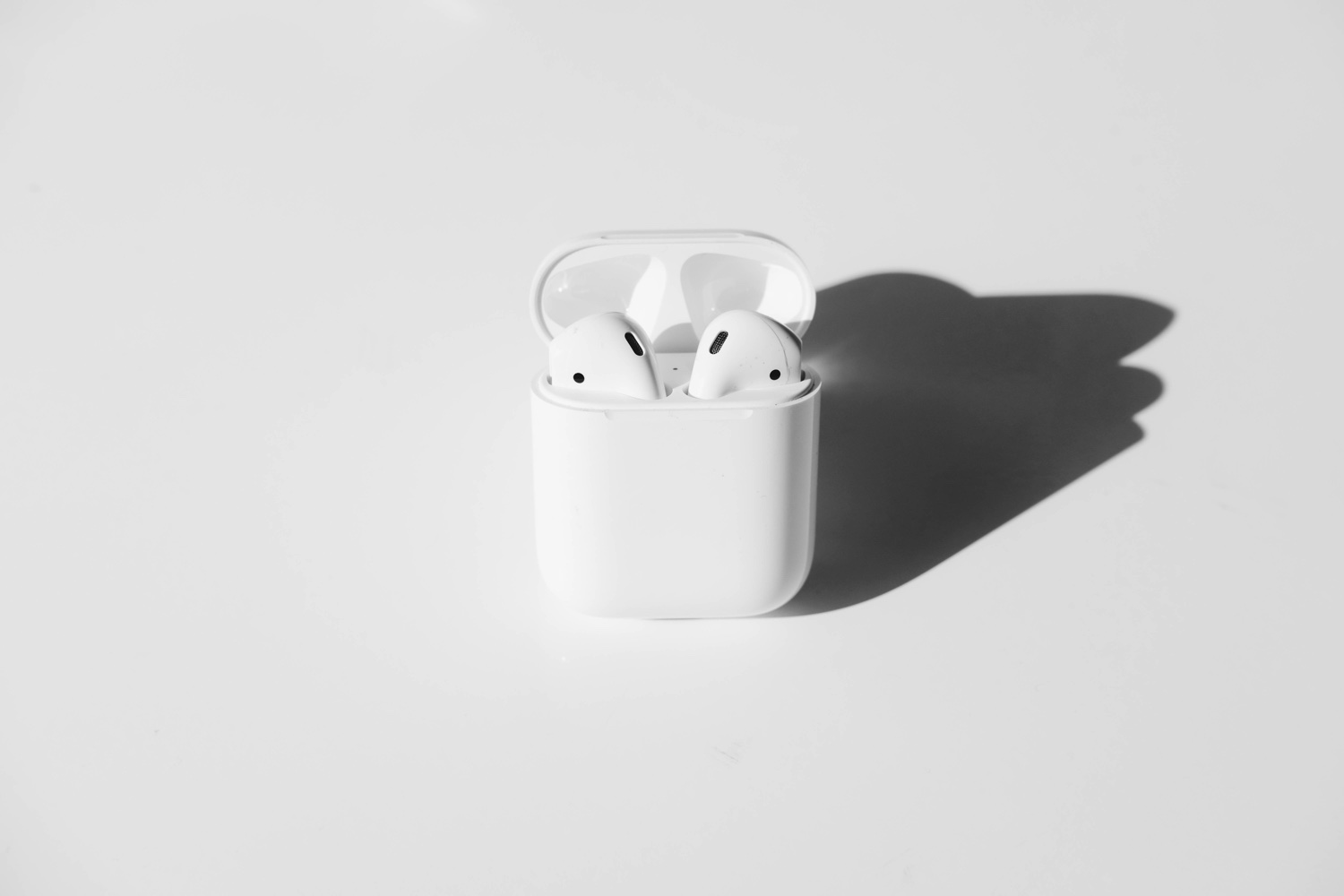 Airpods. Foto: Aaina Sharma / Unsplash