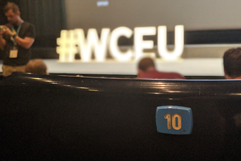 Hashtag #WCEU auf der Bühne im Raum Milkyway. Foto: eigenes Foto