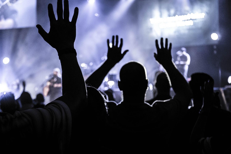 Hände hoch, wer nicht auch Krach von Signalen trennen will bei Twitter! Foto: Chad Kirchoff/Pexels