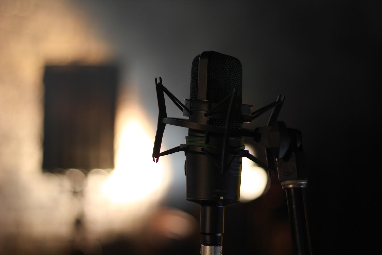 Gutes Mikro, aber Podcast zu Spotify könnte schwierig werden. Foto: John Matychuk/Unsplash